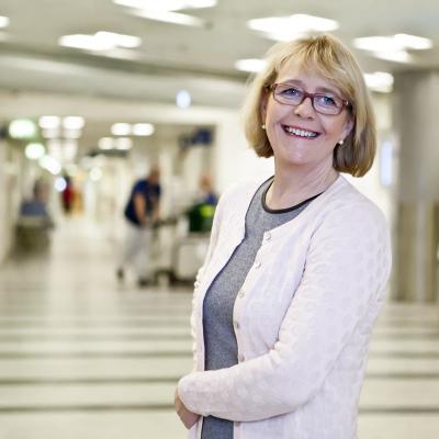 Irene Svenonius (M) Finanslandstingsråd Stockholms läns landsting. Suttit i styrelsen för Stockholm Science City Foundation mellan 2008-2014